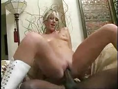 Blonde girl gets cumshot from black guy tubes