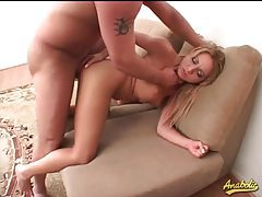 Curvy sluts all in for anal in a threesome tubes
