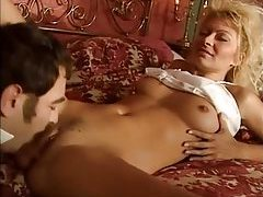 Big hair blonde babe suck and fuck tubes