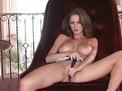 Stunning pornstar in her bra and panties tubes