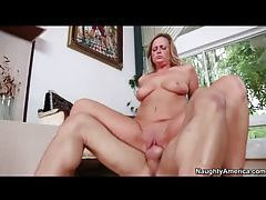 Nailing a curvaceous milf in her cunt tubes