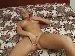 Fake titty amateur in hotel room sucks cock tubes