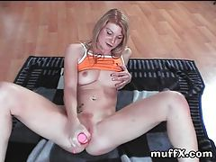 Sweet freckled blonde toy sex tubes