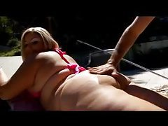 Pool boy oils up the bikini BBW tubes