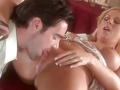Couple oral sex in a restaurant tubes