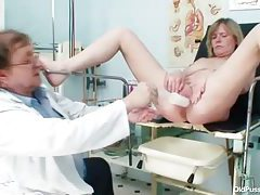 A look inside her sexy mature pussy tubes