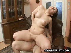 Chubby girlfriend sucks and fucks with facial cumshot tubes