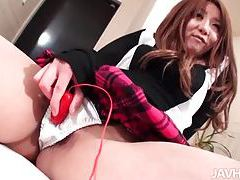 Schoolgirl with her vibrator gets it on tubes