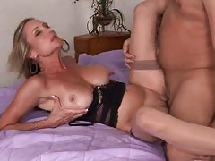Hot Cougar Gets Mouthful of Cum tubes