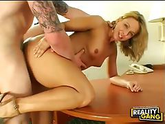 Lustful milf enjoys getting her face drenched in jizz tubes