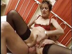 Mature slut fucked up the tight ass tubes