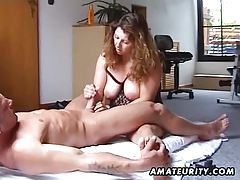 Chubby and busty amateur Milf fucks with handjob tubes