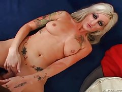Tattooed blonde milf sucking and fucking cock tubes