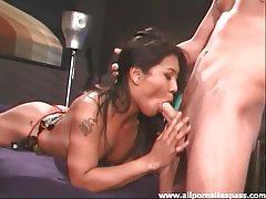 Wild Asian hottie enjoys pleasuring rocker boyfriend tubes