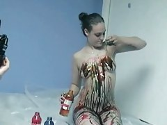Succulent brunette gets kinky with her paint tubes