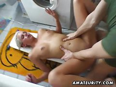 Amateur girlfriend sucks and fucks in her bathroom tubes