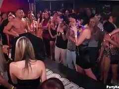 This wild and crazy party with hot chicks tubes
