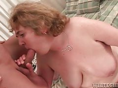Chubby mature slut gets oiled up then gives blowjob tubes