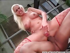 Nicki Hunter boned in the ass outdoors tubes