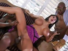 Bimbo housewife banged by two black cocks tubes