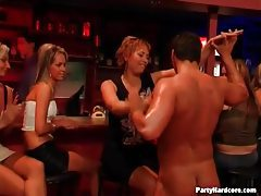 Stripper gets blowjobs from party girls tubes