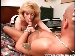 Big haired mature blonde sucks dick tubes