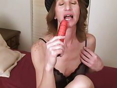 Mature milf creams her pussy tubes
