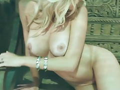 Thick lips and big tits make blonde girl sexy tubes
