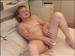 Hairy pussy opens for her dildo tubes