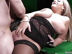 Sexy lingerie on a BBW banging hardcore tubes