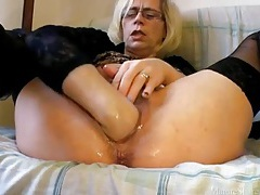 Hairy mature vagina wet and fisted tubes