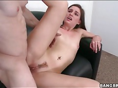 Amateur sucks the dick that fucks her pussy tubes