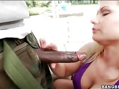 White lady goes down on giant black cock tubes