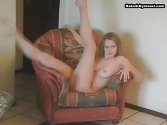 Teen body bends in wonderful ways solo tubes