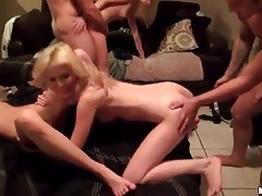 Fivesome in the bedroom with amateur sluts tubes