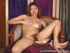 Dildo Inserting On A Juicy Pussy tubes