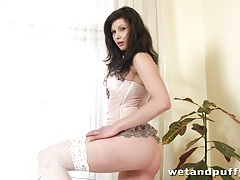 Mazy Teen licks her dildo before spreading her legs tubes