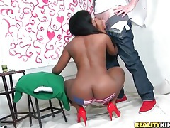 Big ass black girl gives a luscious blowjob tubes