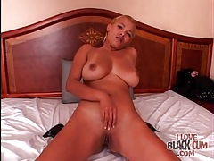 Black cock uses that mouth in curvy BJ video tubes