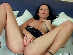 Lipstick girl keeps on heels as she masturbates tubes