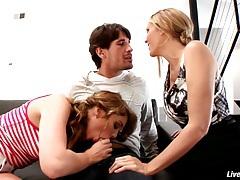 LiveGonzo Jessie Andrews & Julia Ann Sweet Teen & MILF Threesome tubes