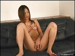 Soaking with asian vagina fucked by a toy tubes