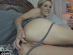 Mommy emy loves cum tube