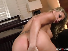 Blonde pornstar gets ass fucked with hotgvibe tubes
