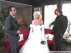 Beautiful bride sucks dick after the wedding tubes