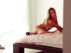 Sexy high heels and nice tits on blonde babe tubes