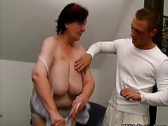 Chubby old housewife gets fucked by a horny young guy tubes