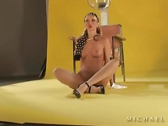 Hot pornstar as a naked retro housewife tubes