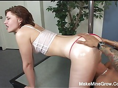 Hot babe waits for a big cock tubes