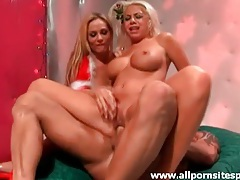 Blown by blondes in christmas outfits in threesome tubes
